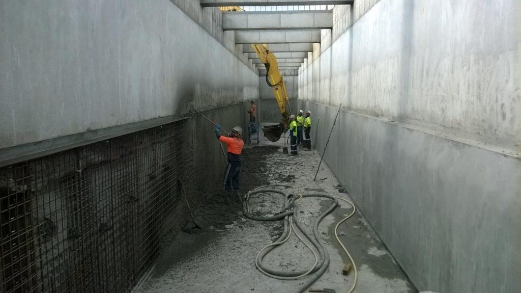 Shotcreteing Tunnel